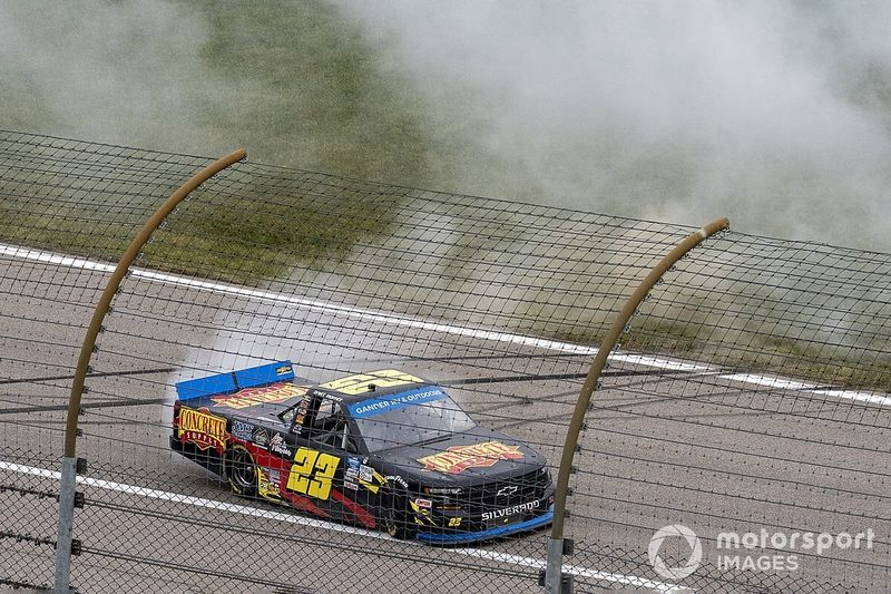 Moffitt grabs first Truck win at Kansas, advances to title race