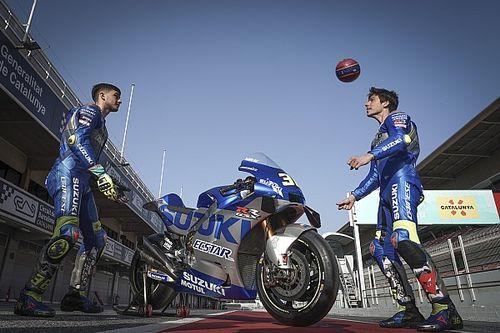 Fotos: Mir y Pedri intercambian confidencias del Barça y MotoGP