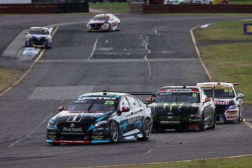 Contenders react to wild Supercars race