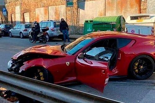 Egy autómosó alkalmazottja törte össze a Genoa kapusának Ferrariját