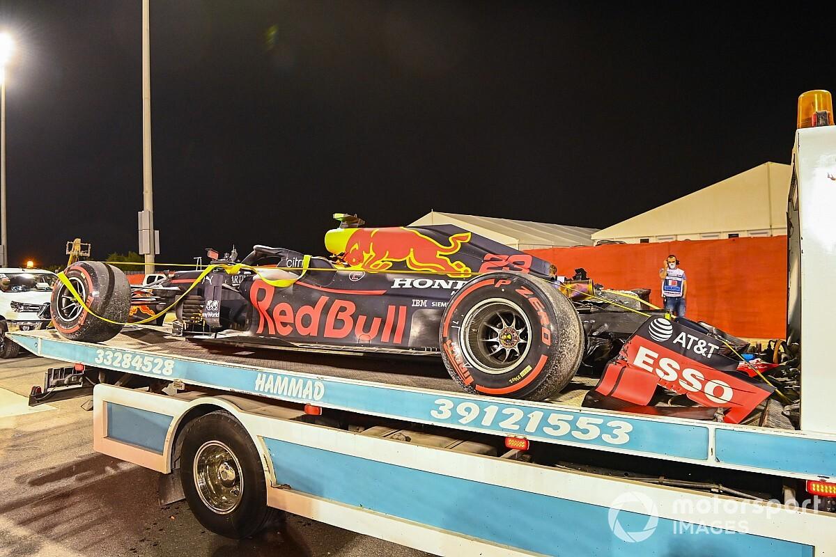 """Zware crash voor Albon in Bahrein: """"Verrast door gebrek aan grip"""""""