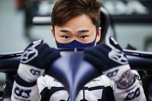 """F1: Red Bull garante que não irá """"queimar"""" Tsunoda"""