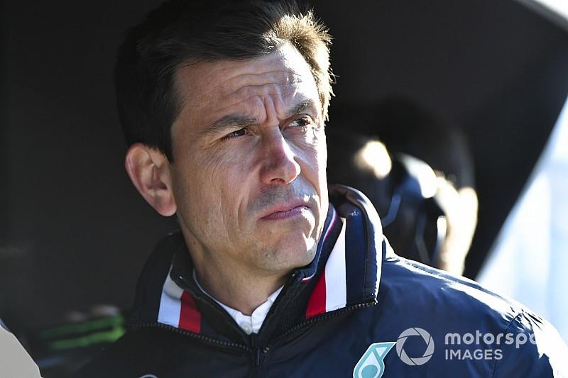Как авария Леклера помогла Mercedes обыграть Ferrari. Объясняет Вольф