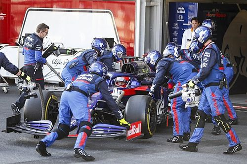 Kvyat terima permintaan maaf Ricciardo