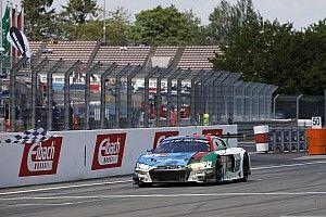 24 uur Nürburgring: Phoenix Audi wint na straf voor Porsche
