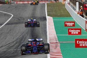«Финишировать восьмым и девятым было реально». Элбон оценил потери Toro Rosso на пит-стопе