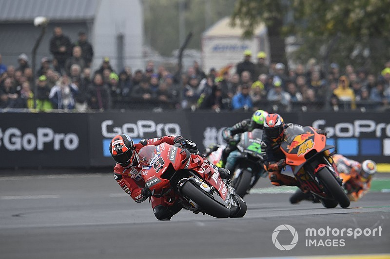 "Aggressive Petrucci has ""different view of racing"" - Espargaro"