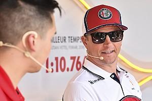 """Räikkönen """"őrült"""" medencés mutatványa: videó"""