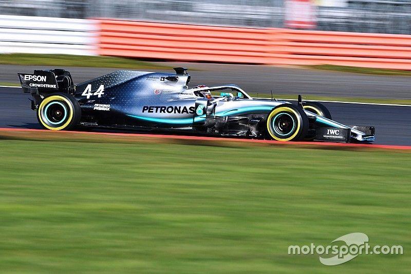 """Hamilton: Una """"gran primera cita"""" con el Mercedes W10"""