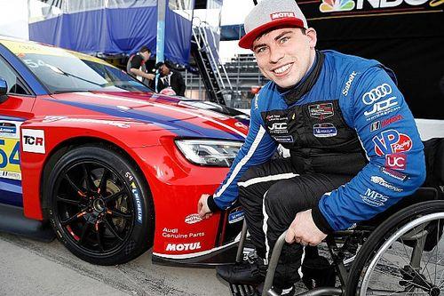 Il paraplegico Johnson è un fulmine e regala la pole position TCR alla JDC-Miller Motorsport a Daytona