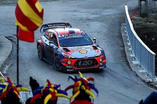 Monte-Carlo, PS7: Loeb concede il bis, ma Ogier ha le gomme giuste e va in testa alla corsa!