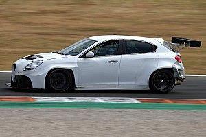 """Alfa Romeo, la Giulietta TCR rivisitata per andare... Veloce: """"Modificate le parti che ci facevano soffrire"""""""