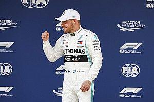 Bottas start duizendste F1-race van pole, vijfde startplek Verstappen