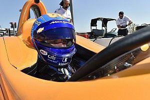 Алонсо стал последним на тестах новичков Indy 500