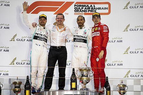"""La gioia di uno sportivo Hamilton: """"Orgoglioso del mio lavoro, ma Leclerc meritava la vittoria"""""""