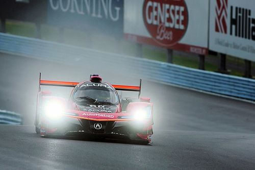 Watkins Glen 240 IMSA: Pla leads wet practice