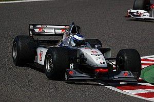 「F1にはタイヤ戦争が必要だ」98年F1王者ハッキネン語る