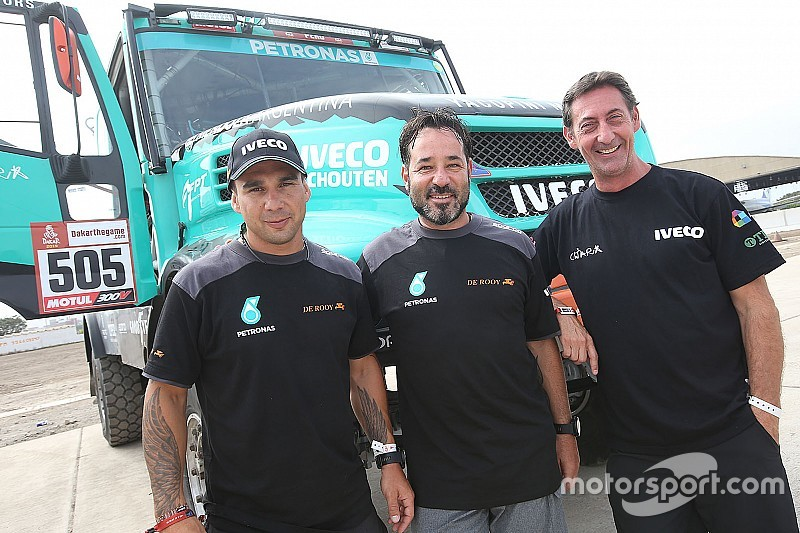 Villagra, Yacopini y Torlaschi llegan en tercero en los Camiones del Dakar