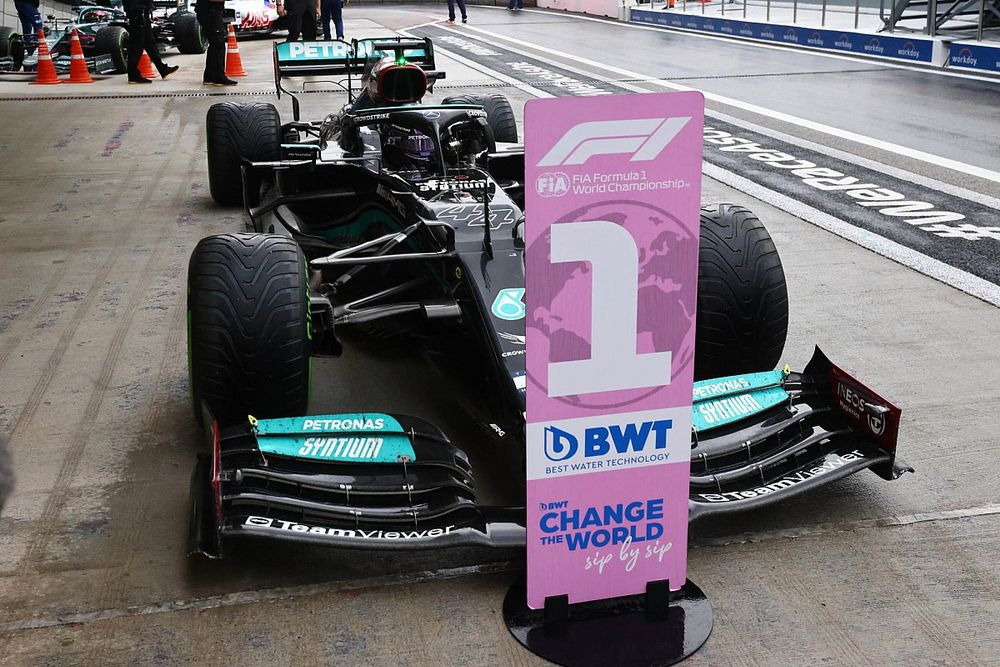 """Red Bull dice tener """"información"""" de que Hamilton penalizará"""
