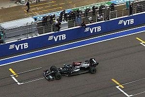 Toto Wolff Sebut Lewis Hamilton Tidak Boleh DNF