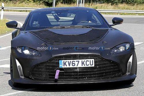 Mindenkit sokkolva megjelent a nyilvánosság előtt az új 2023-as Aston Martin Vantage V12 RS-ről