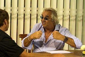 """Singapour 2008 : Briatore dénonce le """"Conseil Mondial Mickey Mouse"""""""