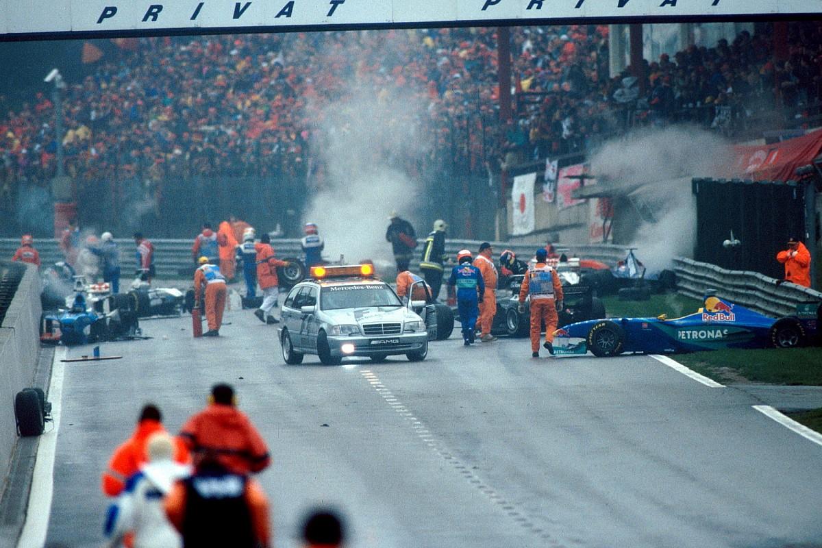 20 anos: Relembre GP com 'Big One' e briga de Schumi em Spa