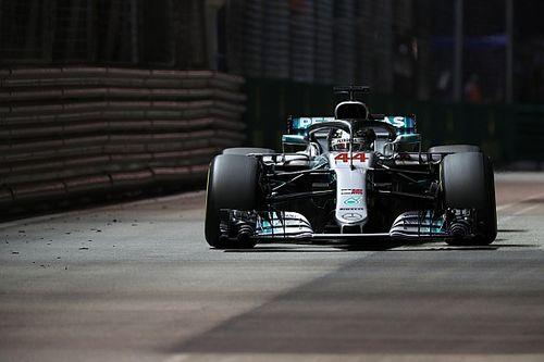 Hamilton az első etapban szerezte meg a szingapúri győzelmét