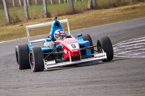Chennai II MRF F1600: Anand takes surprise pole