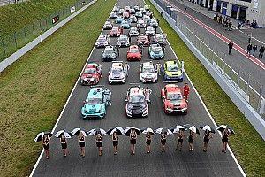 Le vetture TCR tutte in griglia ad Oschersleben