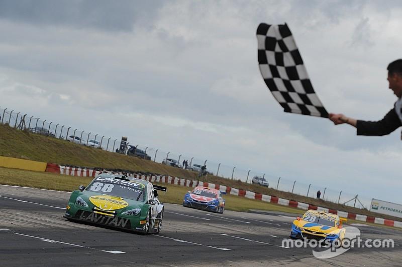 Brazilian V8 Stock Cars: Races full of alternatives award Felipe Fraga and Max Wilson
