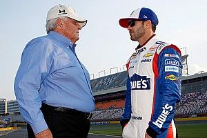 Johnson weighs in on the best candidates for Hendrick Motorsports