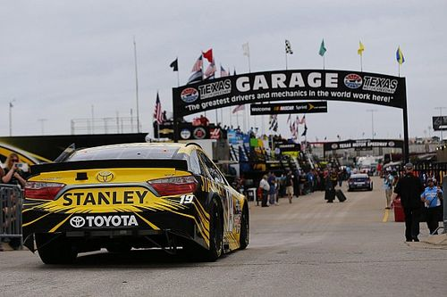 Rain delays start of Saturday night's NASCAR Sprint Cup race