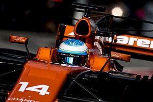 Alonso, decepcionado con su carrera, contento por el equipo
