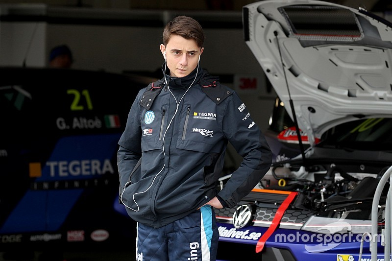 Giacomo Altoè sulla Golf della Delahaye Racing a Spa