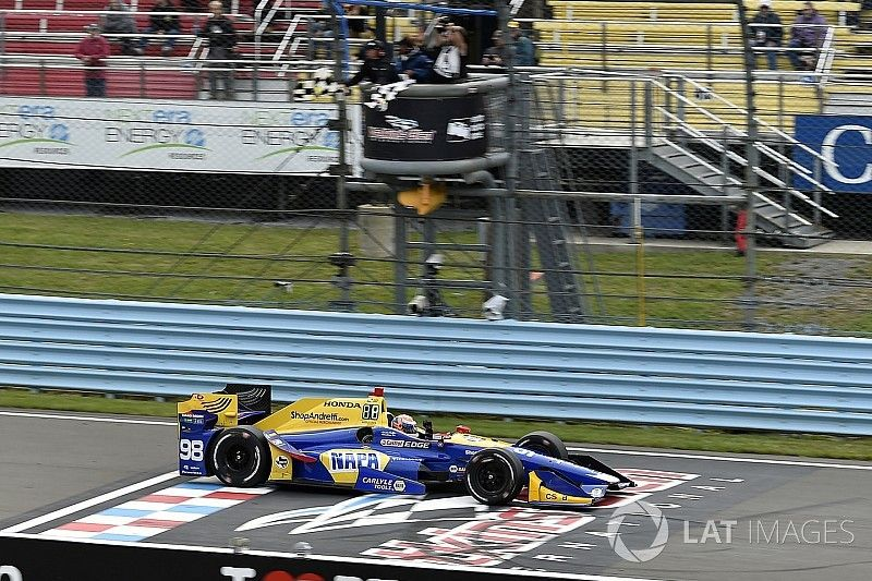 Course - Rossi gagne, Newgarden perd gros!