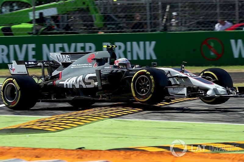 """Magnussen """"annoyed"""" by lack of penalty for Verstappen clash"""