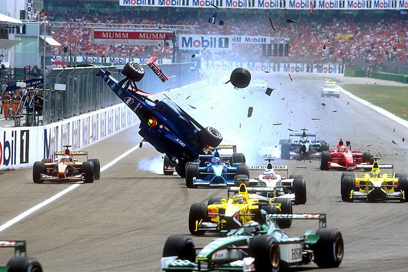 Elképesztő bukás a Német Nagydíjon: Schumacher Vs. Burti