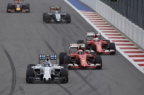 Räikkönen és Bottas drámai csattanása Szocsiból: Kimi komoly büntetése