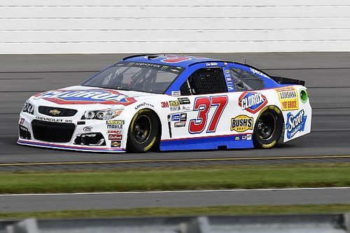 Chris Buescher to continue with JTG/Daugherty Racing in 2018