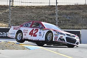 NASCAR Sprint Cup Crónica de Clasificación Larson y McMurray saldrán desde la primera fila en Sonoma
