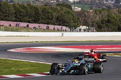 Estadísticas de los test: Mercedes y Ferrari, cara; McLaren, cruz