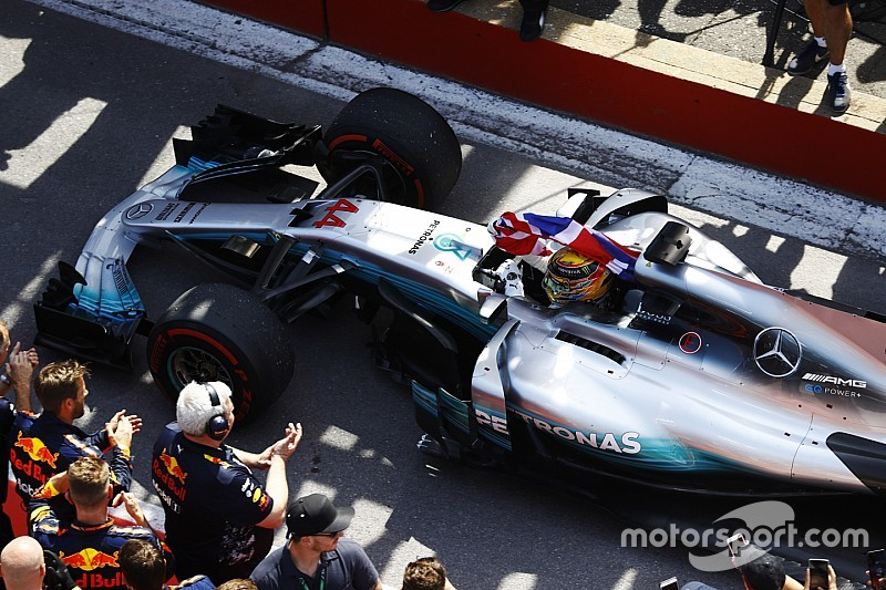 Mercedes сделала дубль в Канаде, Ferrari провалилась