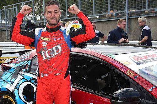 Brands Hatch BTCC: Goff takes pole, Turkington 17th