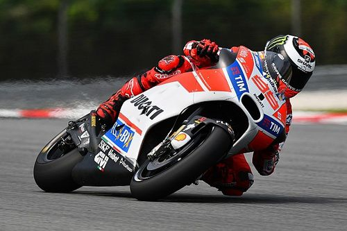 """Lorenzo """"surprised"""" at lack of pace on first Sepang test day"""