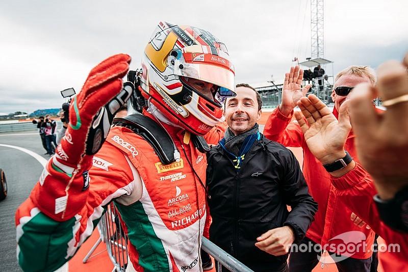 Leclerc elhunyt apjának ajánlotta az F2-es címet