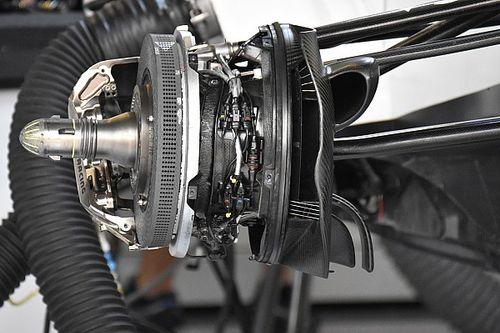 Érdekes fékekkel kísérletezett a Williams Silverstone-ban