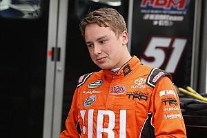 NASCAR Truck Relato da corrida Bell segura pressão de Jones e vence em Kentucky