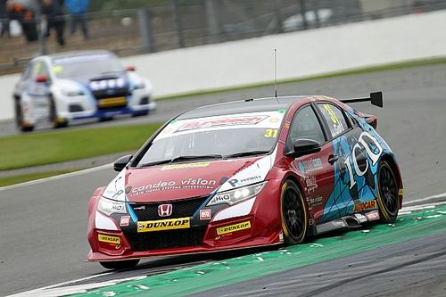Silverstone BTCC: Goff passes Ingram to win Race 2