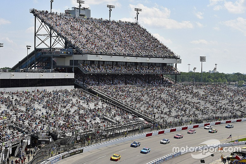 Opinion: How NASCAR can get more fans in the stands